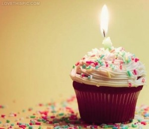 24732-Happy-Birthday-Cupcake